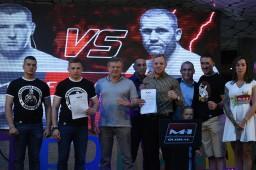 Борис Медведев и Иван Богданов подписали контракты с M-1 Global