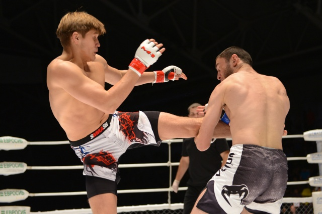 Кевин Микаелян vs Роберт Шарафуддинов, M-1 Challenge 43