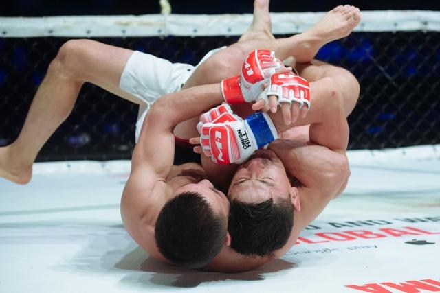 Руслан Кудайбердиев vs Жуман Жумабеков, M-1 Challenge 105