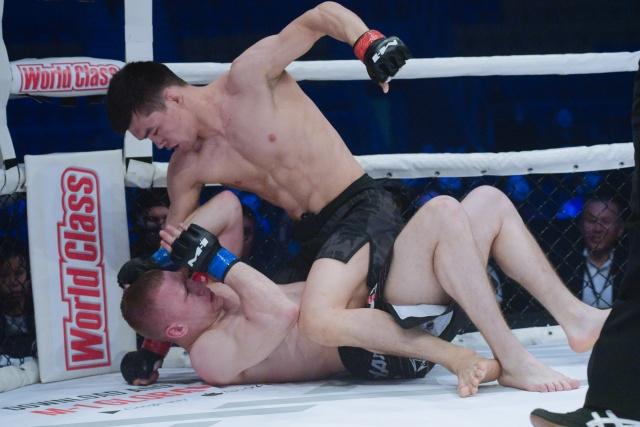 Борис Медведев vs Азамат Бакытов, M-1 Challenge 101