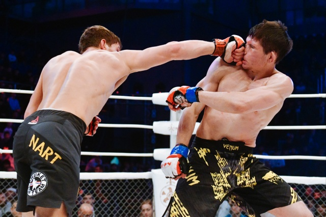 Алексей Невзоров vs Мовсар Евлоев, M-1 Challenge 76