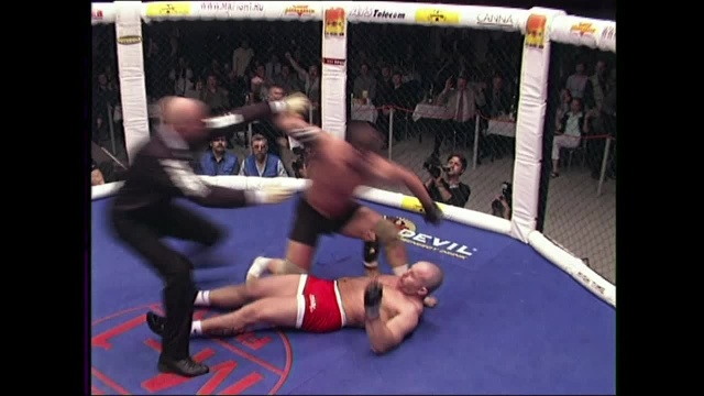 Станислав Нущик vs Ян Фримен, M-1 MFC - Russia vs. the World 1