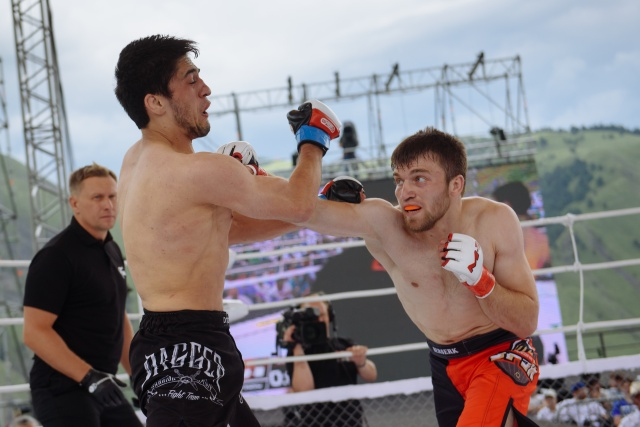 Заур Ахмедов vs Адам Гагиев, M-1 Challenge 69