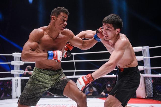 Рубенилтон Перейра vs Ринат Саякбаев, M-1 Challenge 88