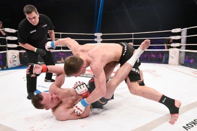 Artem Damkovsky vs Alexey Makhno, M-1 Challenge 72