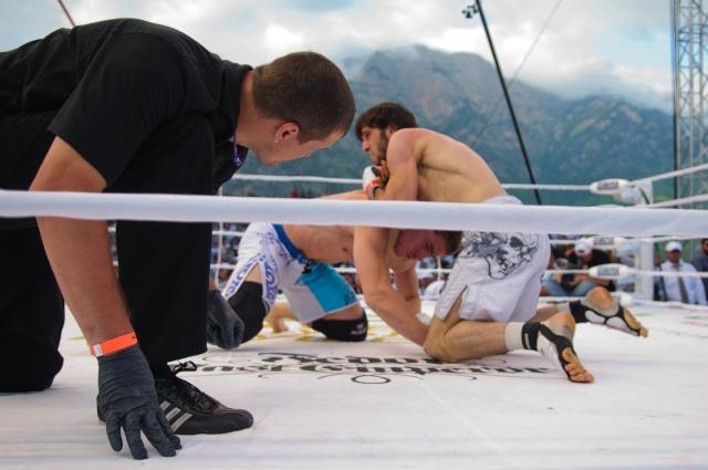 Хусейн Халиев vs Патрик Валлее, M-1 Challenge 33
