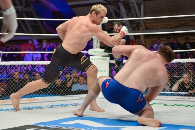 Константин Глухов vs Михаил Газаев, M-1 Challenge 44