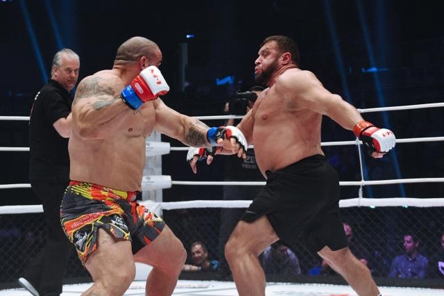 Фредди Гонзалез vs Максим Баруздин, M-1 Challenge 92
