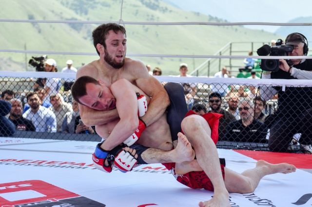 Филипп Нарижный vs Алик Албогачиев, M-1 Challenge 81