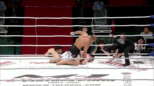 Александре Мачадо vs Доол Хи Ли, M-1 Challenge 17
