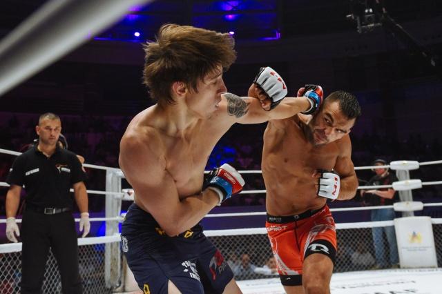 Михаил Коробков vs Иван Бухингер, M-1 Challenge 67