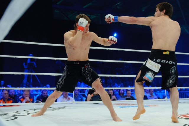 Артем Дамковский vs Муса Хаманаев, M-1 Challenge 32