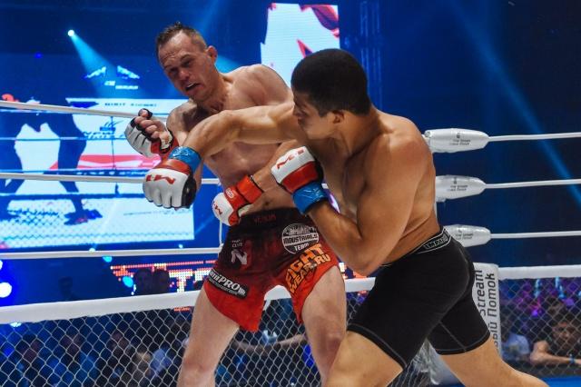 Фелипе Рего vs Алексей Махно, M-1 Challenge 68