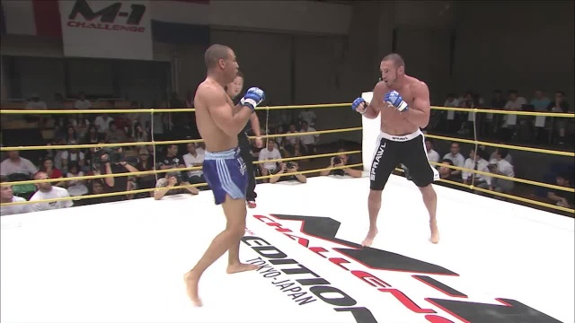 Майк Дольче vs Карл Амоссоу, M-1 Challenge 05