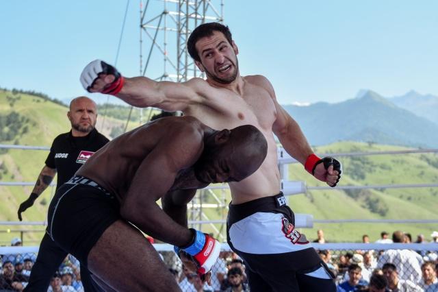 Шарль-Анри Чунги vs Хамзат Сакалов, M-1 Challenge 81