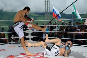 Маирбек Тайсумов vs Нико Пухакка, M-1 Challenge 40