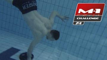Немецкий терминатор: кроссфит в бассейне
