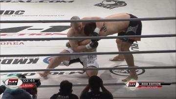 Янг-во Ю vs Масанори Ивамото, M-1 Selection 2011 - Asia Round 1
