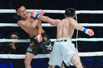 Бека Гогаладзе vs Азамат Маркабаев, M-1 Challenge 105