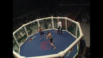 Мусаил Алаудинов vs Ронни Ривану, M-1 MFC - Russia vs. the World 3